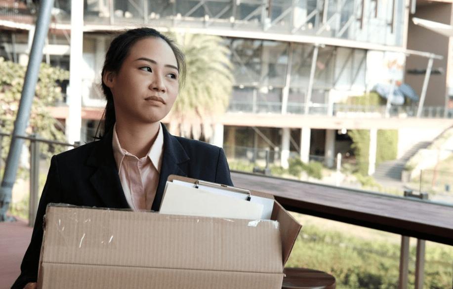 ¿Qué pasa si renuncia antes de terminar su contrato?