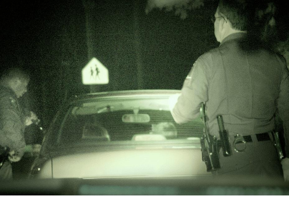 ¿Qué hacer cuando el policía detiene tu vehículo?