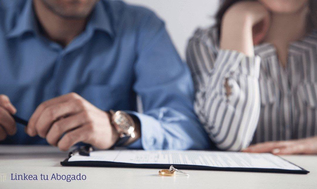 Tramite de Divorcio: Demanda, tiempos y causales